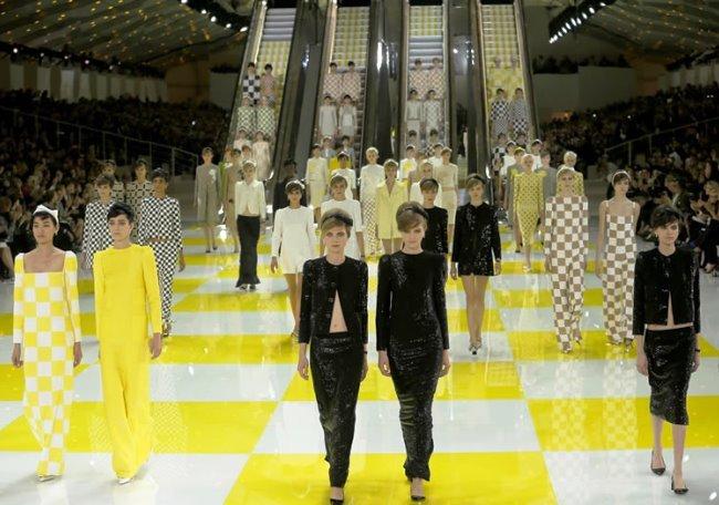 Daniel Buren & Louis Vuitton